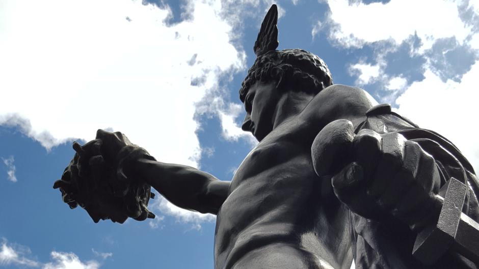 La sangre de Medusa: la escritura incansable (un hombre es todos los hombres)